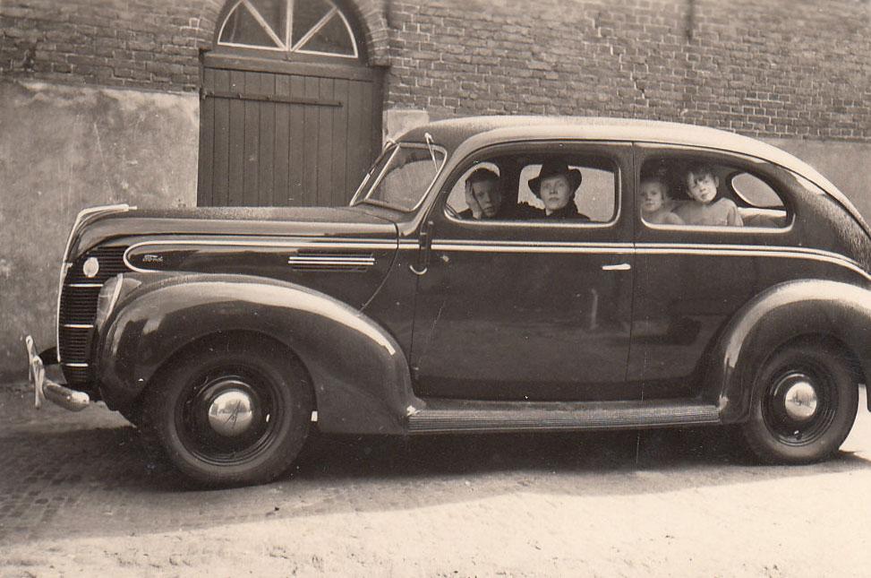 Auto 1942